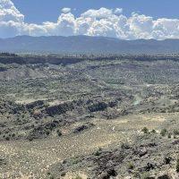 Driving along the Rio Grande Canyon